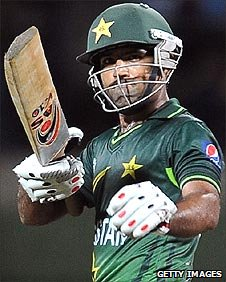 Asad Shafiq celebrates his half-century