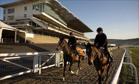 Cheltenham Racecourse prepares for Festival