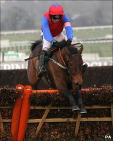 Ruby Walsh on his way to victory in the Mares' Hurdle on Quevega