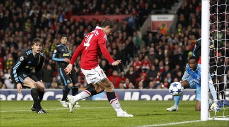 Javier Hernandez scores United's opener