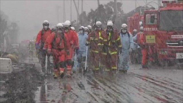 Rescue teams in the snow