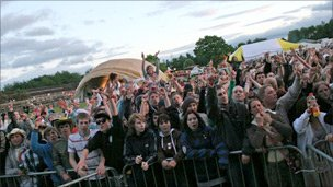 Crowd at OsFest
