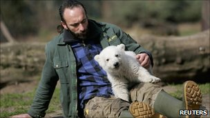 Thomas Doerflein with Knut