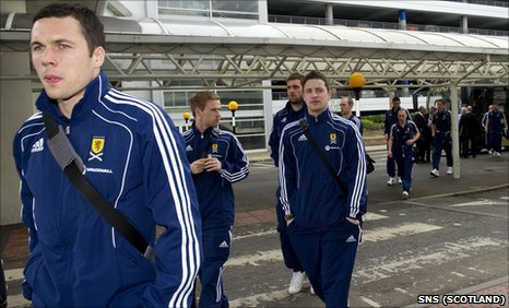 The Scotland players leaving Glasgow Airport for La Manga