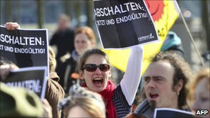 Protesters demonstrate against nuclear power in Berlin (March 22, 2011)
