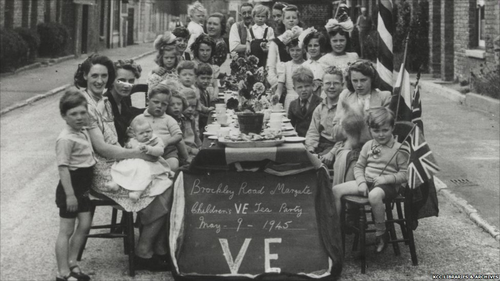 VE and VJ Day Celebrations in London/Elsewhere (1945) - Page 2 ...