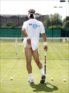 Pat Cash recreates the Tennis Girl pose