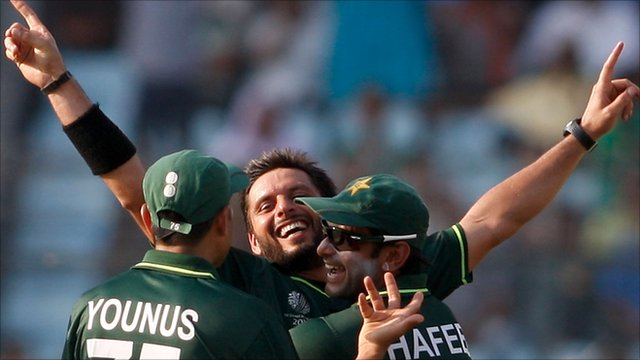 Shahid Afridi of Pakistan celebrates