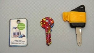 Key fob, key and car key similar to those belonging to Sian O'Callaghan - Wiltshire Police