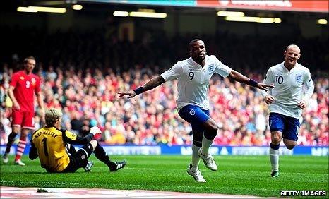 Darren Bent scores England's second goal