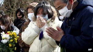 Mourners in Yamamoto, 26 March