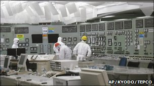Lighting restored in control room of Unit 2 reactor at Fukushima, 26 March