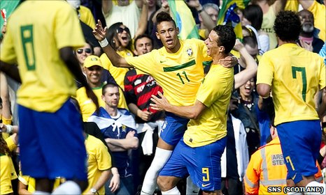 Brazil celebrate Neymar's second goal at the Emirates