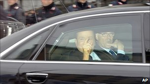 Italian PM Silvio Berlusconi arriving at the Milan tribunal (28 March 2011)