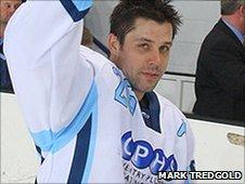 Dan Carlson (Mark Tredgold)