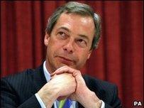 Nigel Farage, arweinydd UKIP