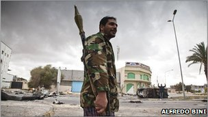 Rebel fighter on Benghazi Street, Misrata
