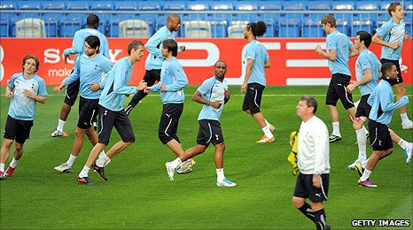 Spurs players train at the Bernabeu ahead of Tuesday's first leg
