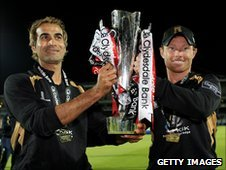 Imran Tahir (l) and Ian Bell