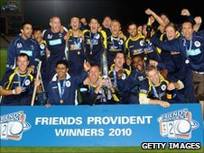 Hampshire celebrate winning the 2010 FP t20