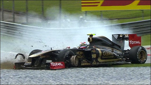 Vitaly Petrov's tyre explodes