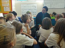 A teacher from St. Stephen's School visits Vale School