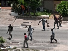 Pro-Gbagbo militiamen on the streets of Abidjan