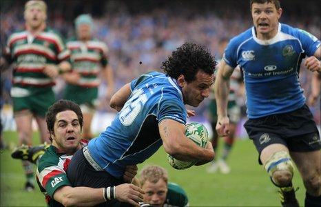 Isa Nacewa scores Leinster's try