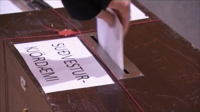 Voter in Iceland