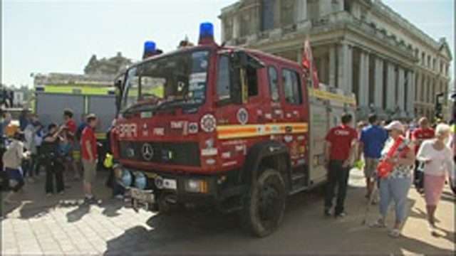 'Martha', the Dorset fire engine, arrives in London after it circumnavigates the globe