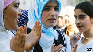 French girls in headscarves protesting in Strasbourg, 1 Sep 04