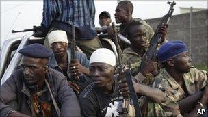 Pro-Ouattara forces in Abidjan (11/04)
