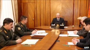 President Alexander Lukashenko chairs a meeting in Minsk (12 April 2011)