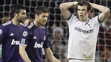 Tottenham winger Gareth Bale (right)