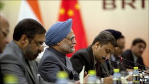Indian PM Manmohan Singh with delegation, meeting Chinese President Hu Jintao, Bric summit, Sanya, Hainan China, 13 April 2011