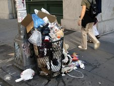 Rubbish bin in New York