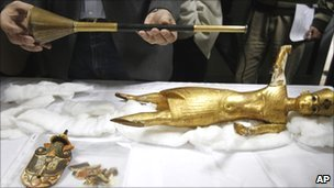 Tutankhamun's gilded bronze trumpet and other objects from the Cairo Museum