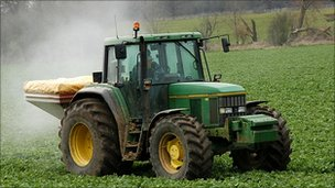 Tractor spreading chemical fertiliser (Image: BBC)