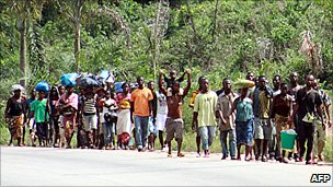 People displaced by fighting in Ivory Coast - 3 April 2011