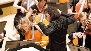 The LPO and its principal conductor Vladimir Jurowski. Photo: Richard Haughton