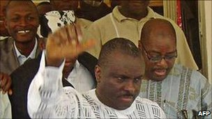 James Ibori (in white) with supporters (2009 image)