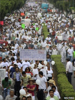 March against violence in Cuernavaca, Mexico (6 April 2011)
