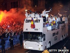 The Real Madrid squad celebrate