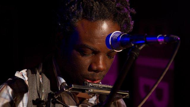 Muntu Valdo performing on BBC Network Africa