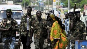 Pro-Ouattara fighters in Abidjan (19/04)