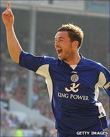 Leicester captain Matt Oakley celebrates