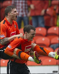 David Goodwillie celebrates with David Robertson against Kilmarnock