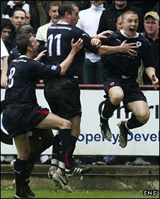 Raith Rovers celebrate Chris Baird's goal