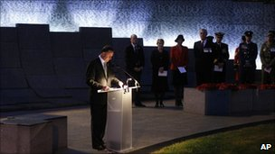 John Key makes an Anzac address at Hyde Park in London, 25 April 2011