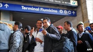 Many Tunisian migrants arriving in Italy are heading to France where they have relatives